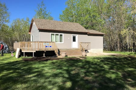 Private Getaway in Silver Harbour north of Gimli