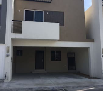 Near airport nice 3 bedrooms home - Apodaca