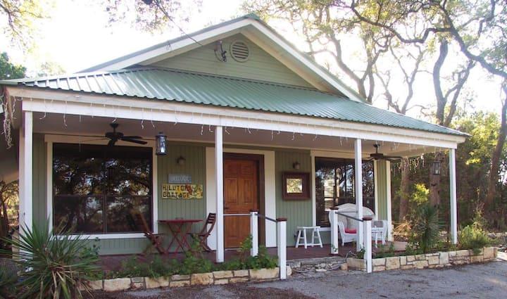 Mystic Hill Cottage Hilltop Suite