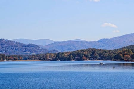 4 bed/3 bath Lake Chatuge Area Home - Hayesville