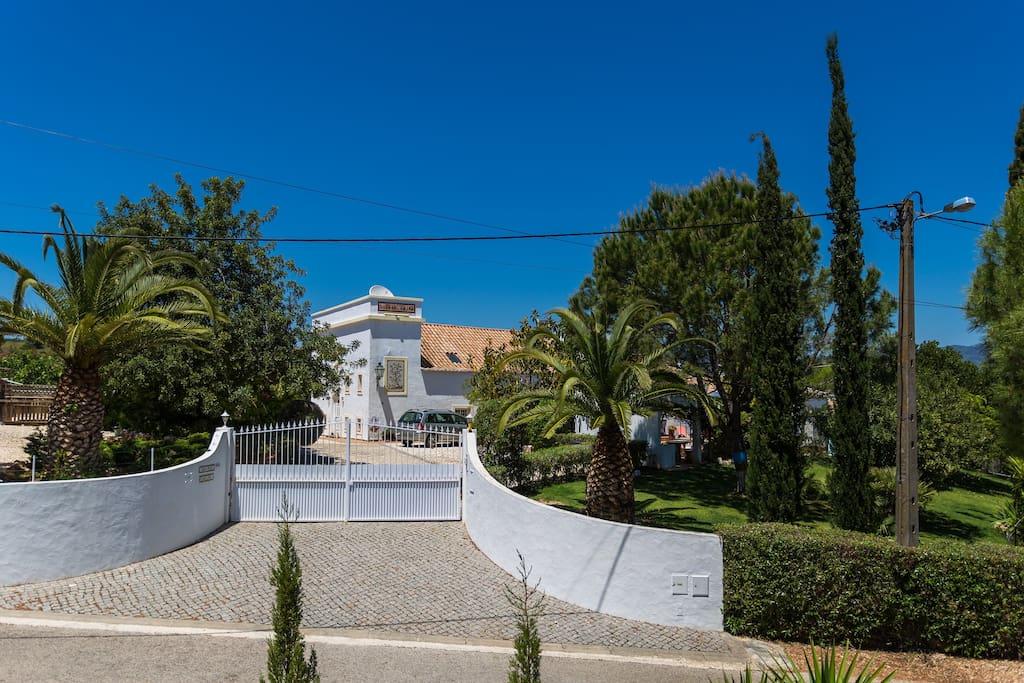 Main entrance to Quinta Velha