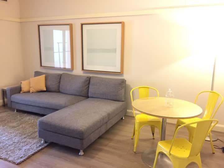 1 bedroom plus sunroom in North Sydney CBD