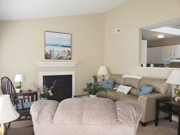 Cozy and Cute apartment near Camp Lejeune (109)