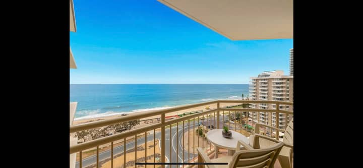 Surfers Paradise Absolute Beachfront Apartment