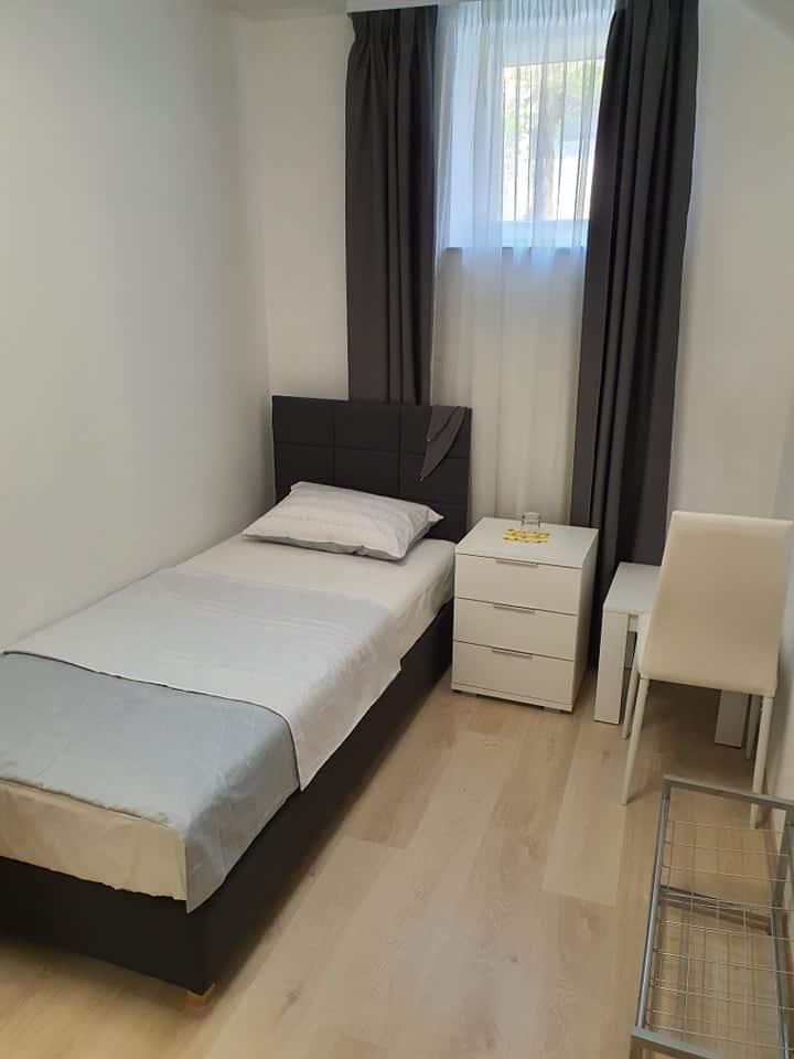 ALDI 1 - Room in the Centre of Pula