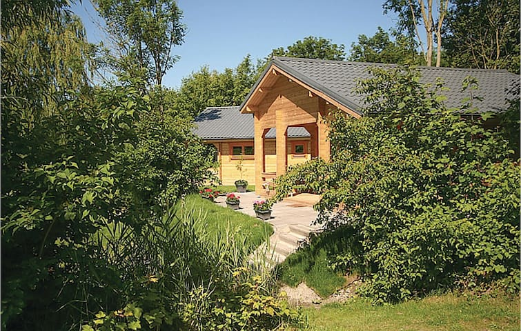Holiday cottage with 1 bedroom on 58m² in Zoutkamp