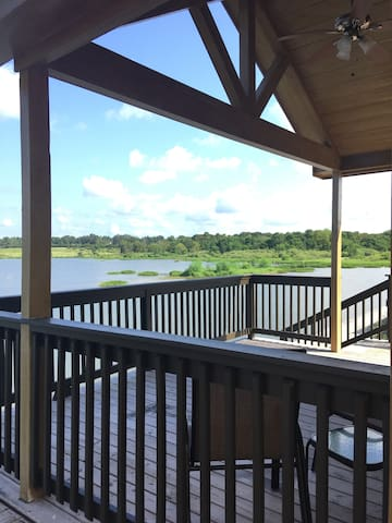 Tiny House 104 on Lake Conroe