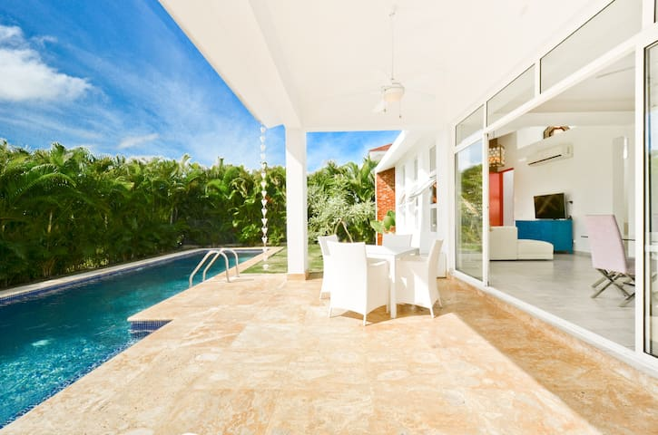 Modern Vacation Villa with Private Pool PUNTA CANA