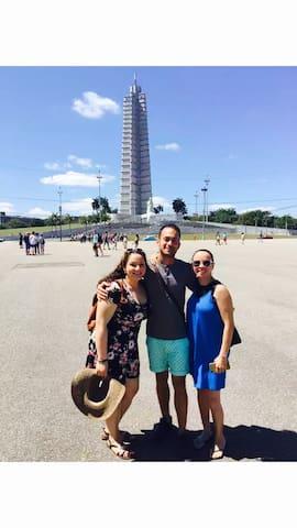 """Reynier en city tour """"A lo cubano"""" con el grupo de Carmen :)"""