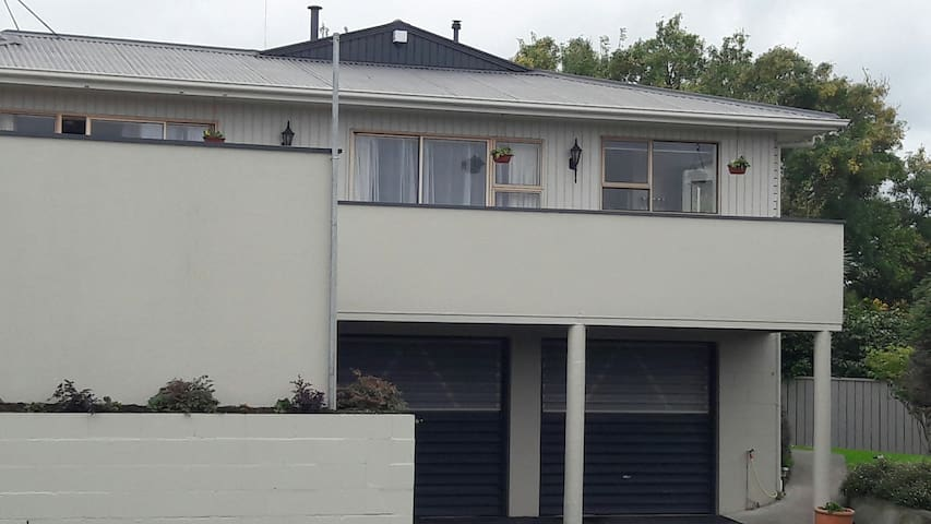 Park View Home Away From Home fully selfcontained. - Feilding - Casa de huéspedes