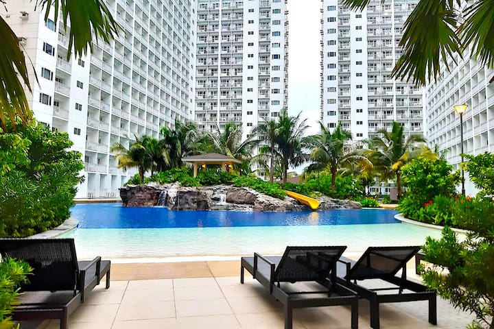 1 BR condo Unit at Shore Residences near MOA