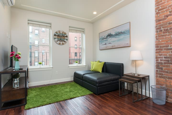 Inviting 1 Bedroom South End