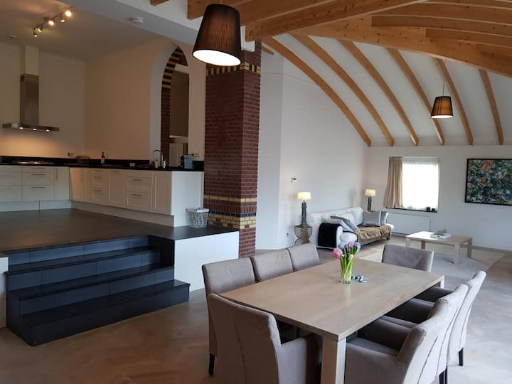 AMAZING LOFT-9P, near The Hague, 35min A'dam&R'dam