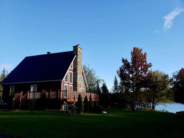 Le Suisse sur le lac! Spa, foyers, lac tranquille
