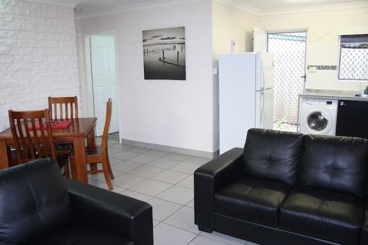 (G2) - Two Bedroom - Walk to City - Pet Friendly