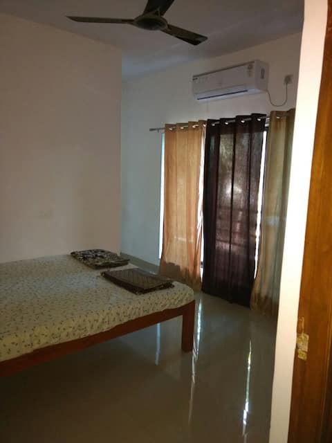 Budget rooms in Holiday Home at Alibaug