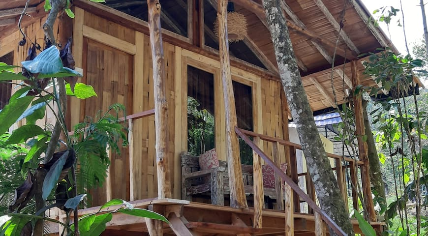 Gumi Ayu Treehouse & Spa - Mountain & valley view