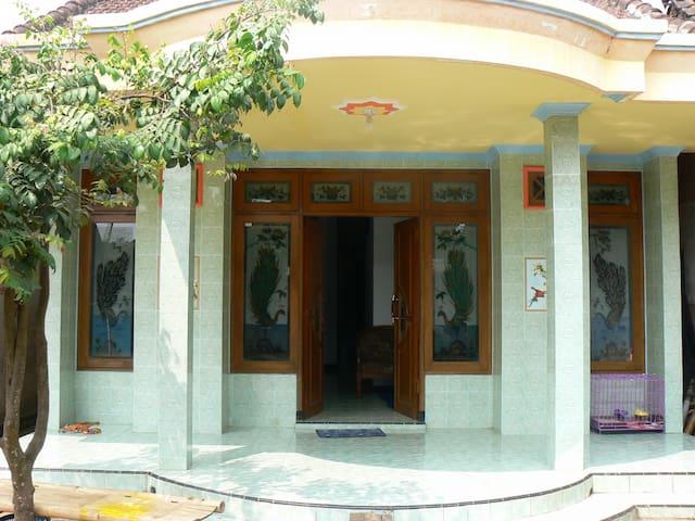 Ijen Adventure Inn - Banyuwangi - Bed & Breakfast