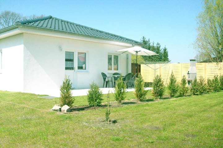 8-pers. holiday house just 300 metres from the beach