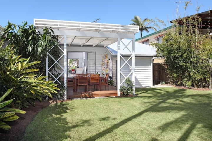 CORPORATE BEACH HOUSE  - Manly Qld