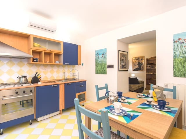 Quiet apartment with garden, close to the centre