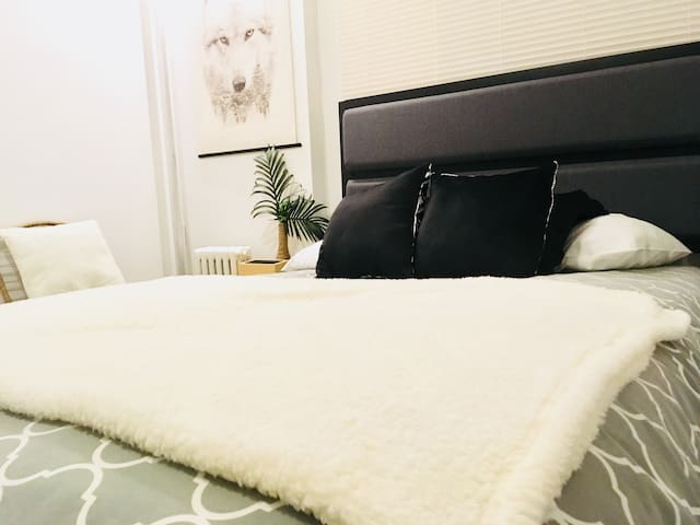 Luxurious Clean  room 20 min away from Manhattan