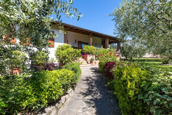 B&B  Ulivi Camera Peonia Garda Lake