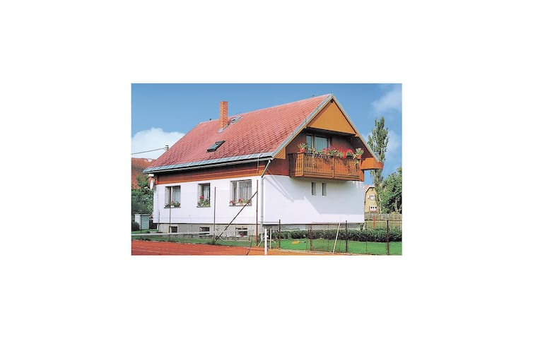Holiday cottage with 4 bedrooms on 146 m² in Jindrichovice
