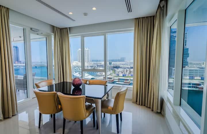 Outstanding Waterfront 2 bedroom Downtown Dubai