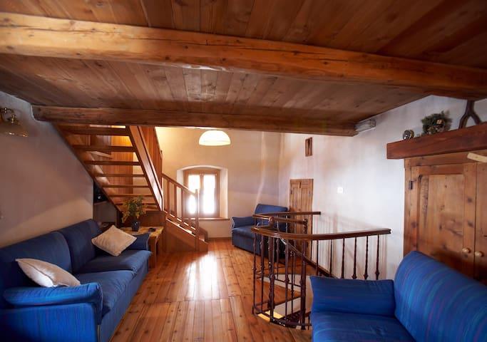 Maison Carré - Carrè - Srub
