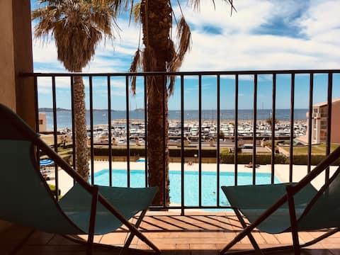 Blue Lagoon: mar T2, platja, piscina i casa club