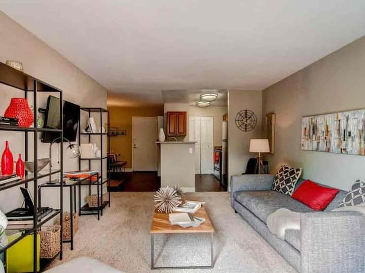 Comforts of home + convenience | 1BR in Denver