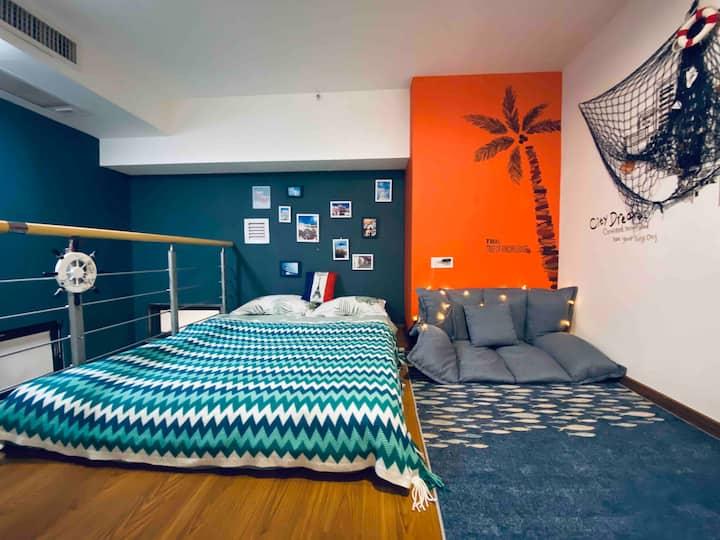 【远洋】海珠万达广场LOFT北欧航海风投影榻榻米大床房