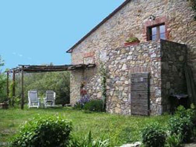 Wohnung auf dem Land - Montieri - Wohnung
