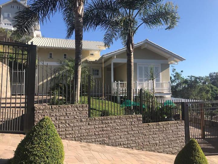 Casa equipada com 2 quartos no bairro Santo Antão