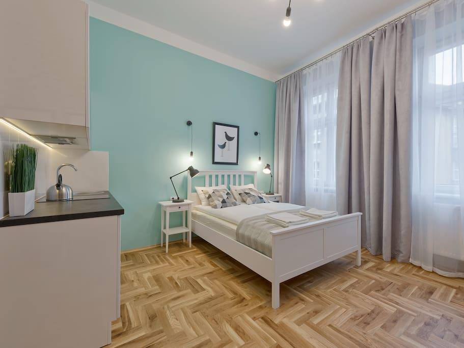 bedroom, bedside table