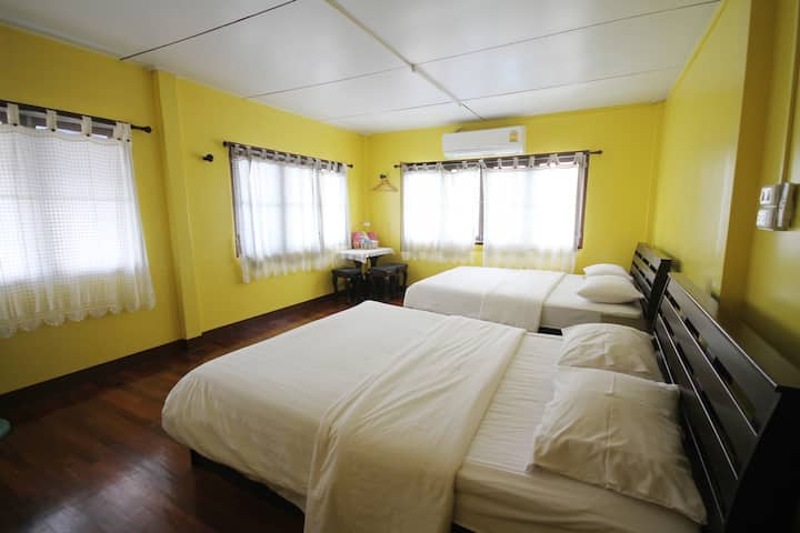 Baan Bua Homestay (Family Room)