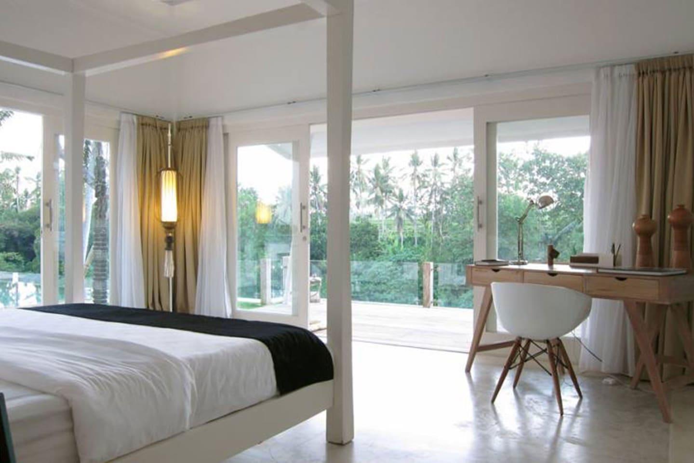 Luxury Master Bedroom 1