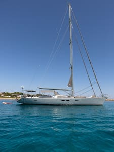 Luxury Sailing Yacht in Formentera