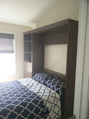 Private room and bathroom, minutes from IAD - Sterling
