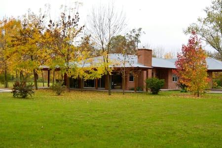 Casa en City Bell -La Plata - Talo