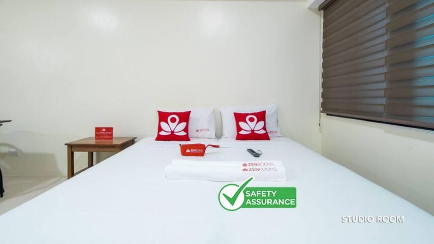 Charming Room at Icon Plaza BGC
