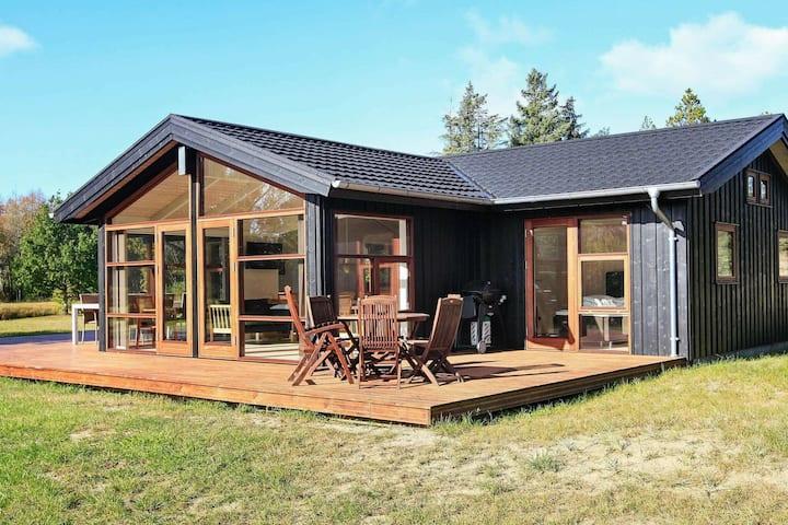 Modernes Ferienhaus in Skagen mit privatem Whirlpool
