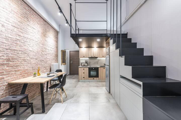 Modern Athens High-End Studio (R)
