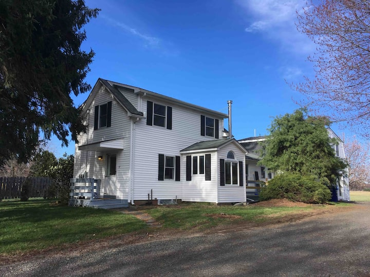 5 College Farmhouse