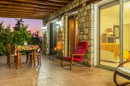 """The Lodge"" Rustic Village Retreat Amargeti Paphos"