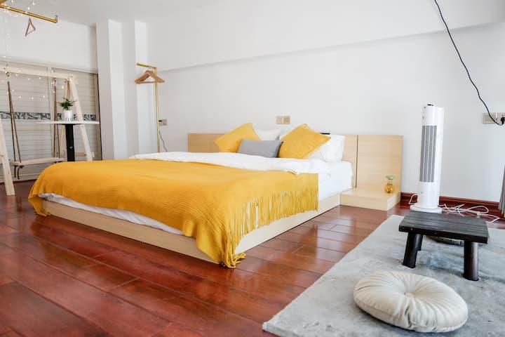【缘】栖息于景德镇市中心景德镇茶具城的精致小公寓。