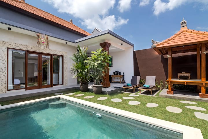 Honeymoon Villa - Breakfast - Seminyak