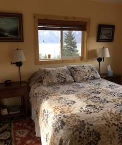 White Raven Bed and Breakfast  - Ravens Nest