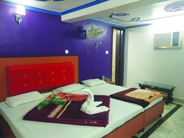 Budget stay near to River Ganga Haridwar